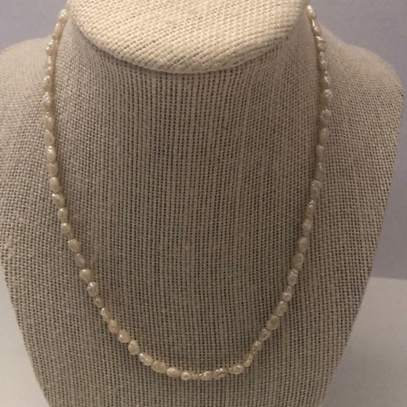Vintage rice pearl necklace w/ 14KT clasp